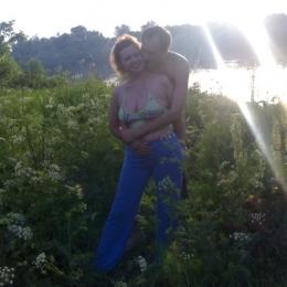 Пара ищет девушку для интим свиданий в Кирове