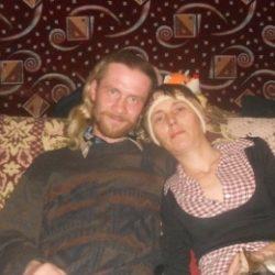 Пара ищет девушку в Кирове