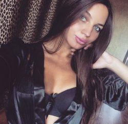 Красивая молодая блондинка познакомится для частых встреч в Кирове